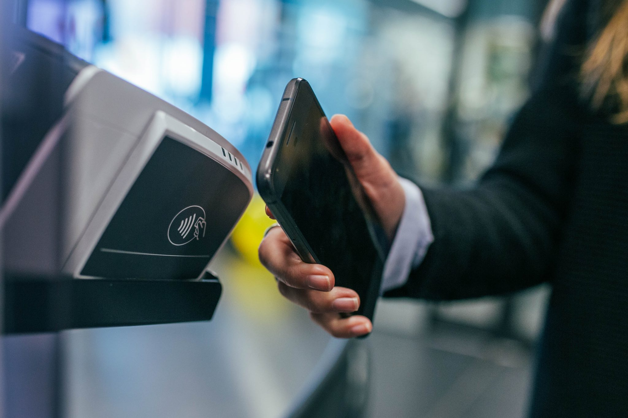 How Secure are Digital Wallets and Mobile Payments (Apple