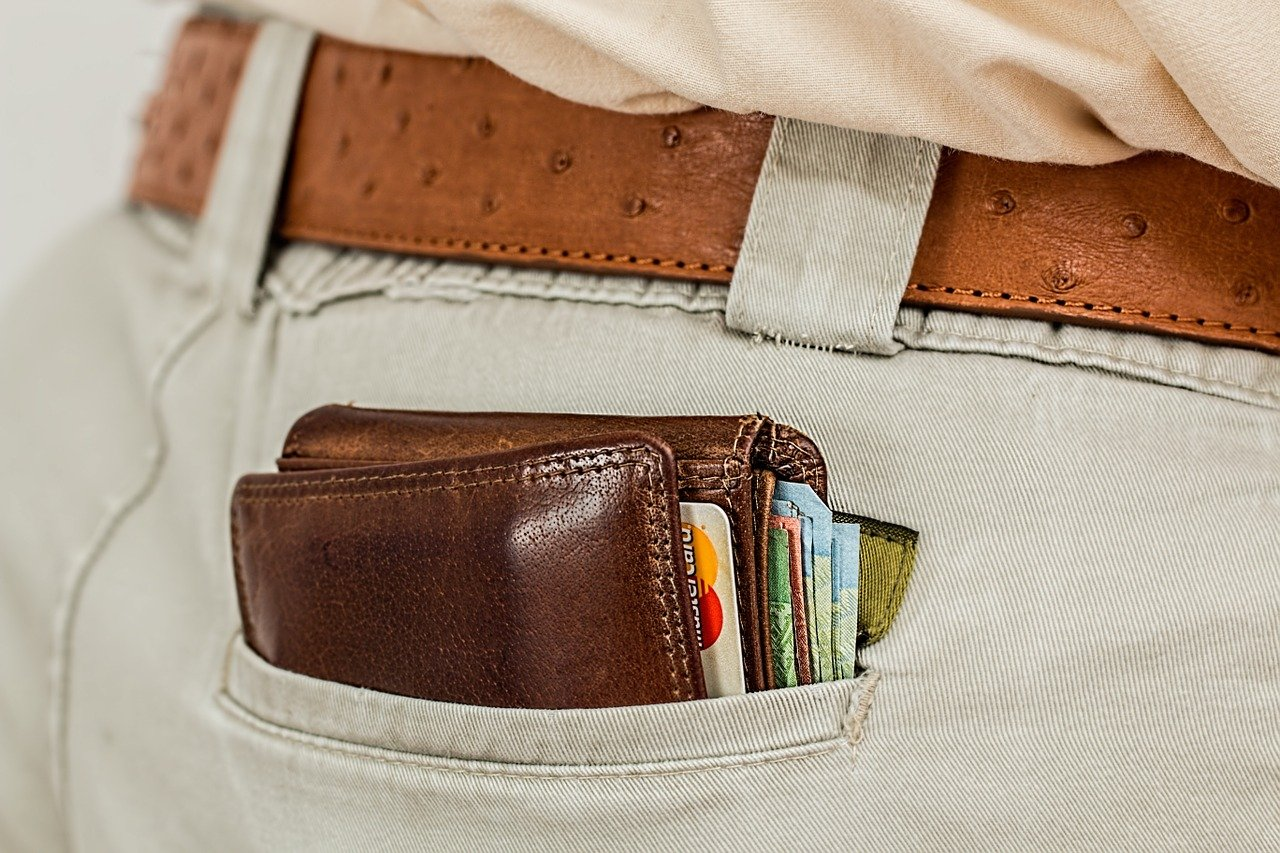 10 Best RFID Wallets Reviews and Buying Guide